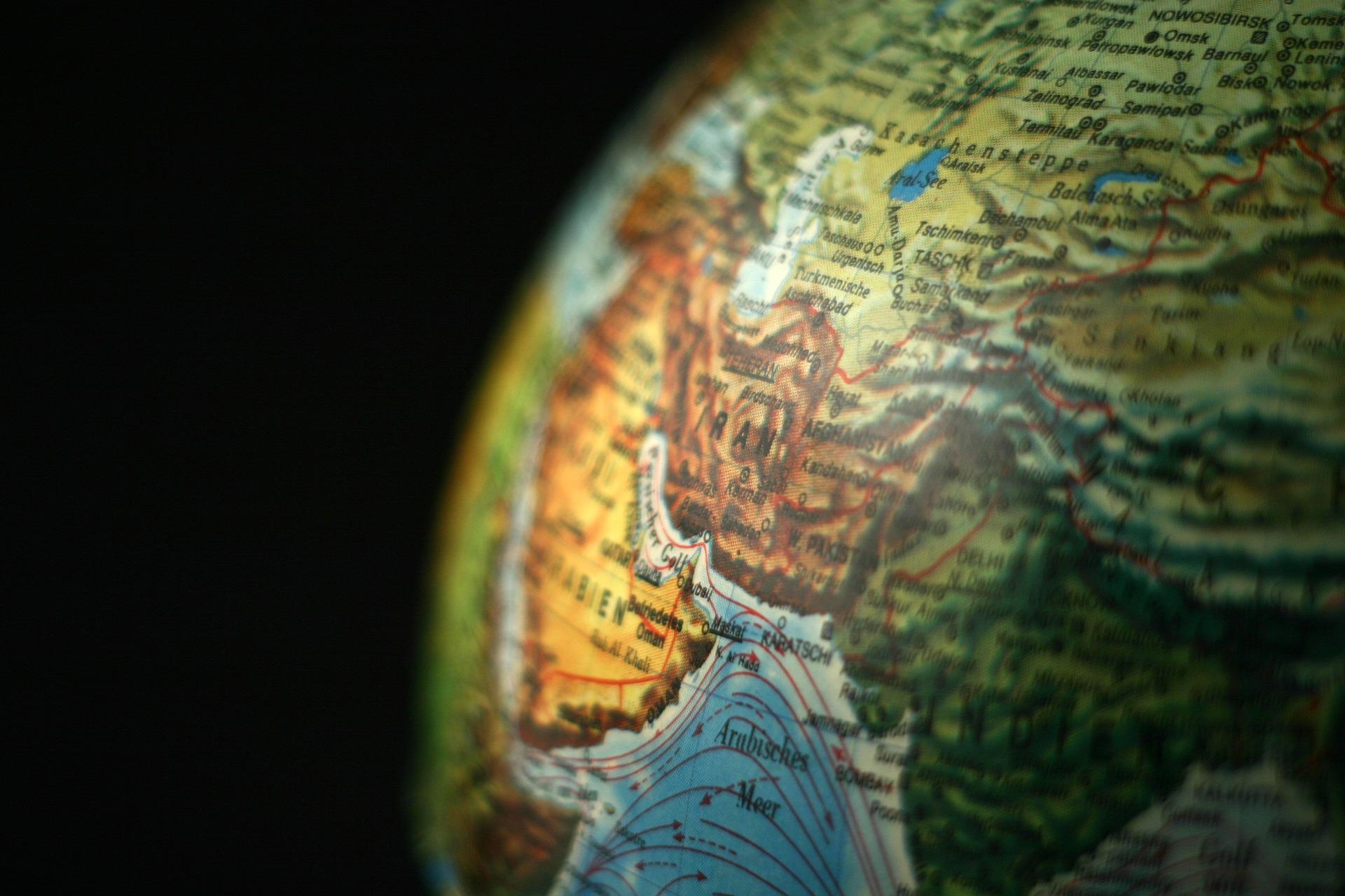 Waarom weten Nederlanders zo weinig van Iran? Een interview met Shervin Nekuee